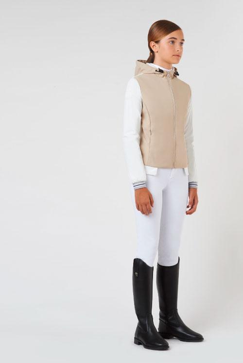 Chaqueta beige para niña modelo Jersey Nylon de Cavalleria Toscana