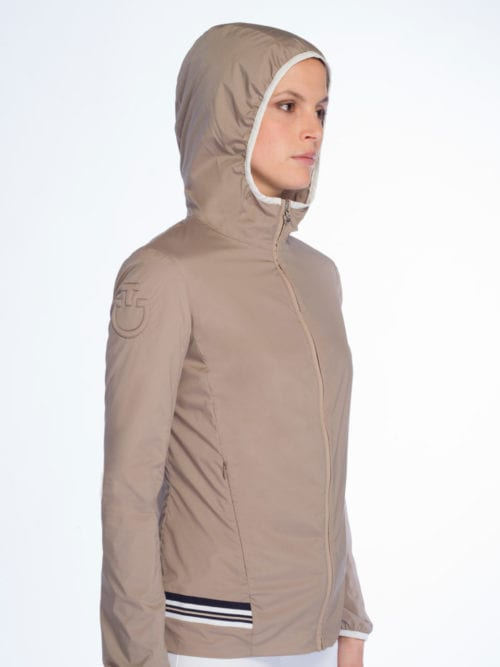 Chaqueta con capucha beige para mujer modelo Nylon Hooded de Cavalleria Toscana